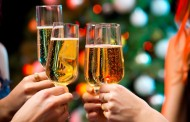 3 Event Planning Tips for Putting Together a Cheerful Holiday Gathering